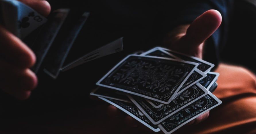 Un guide du débutant sur le bluff au poker